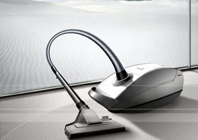 LassalMedia, photorealistic key visuals for a Siemens' vacuum cleaner campaign (samples).