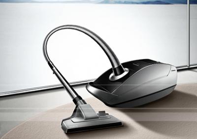 LassalMedia, photorealistic key visuals for a Siemens' vacuum cleaner campaign (samples).-04